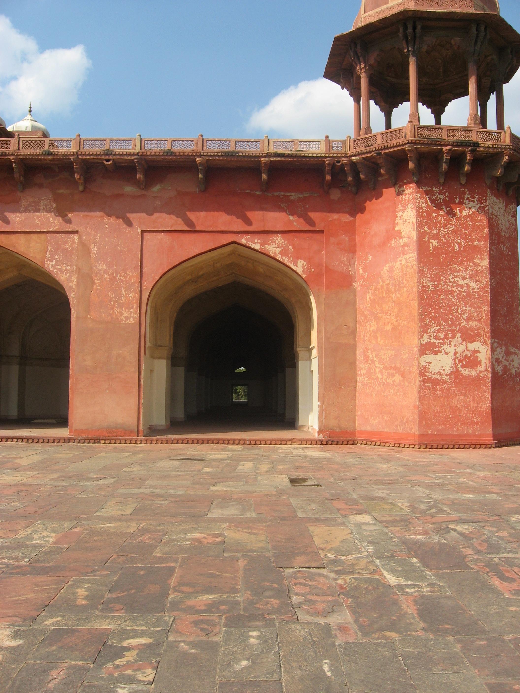 rosso e ombre al Forte di Agra