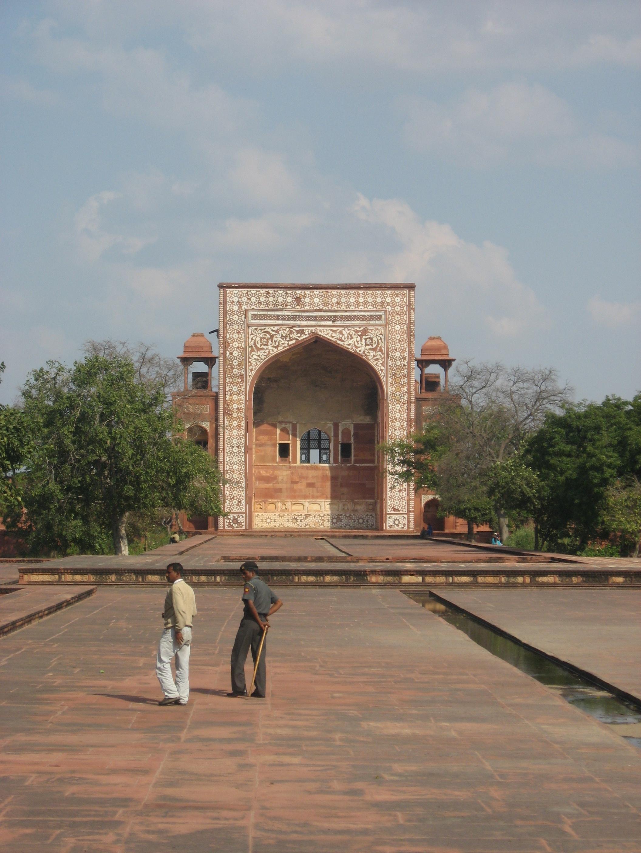 portale rosso al Forte di Agra