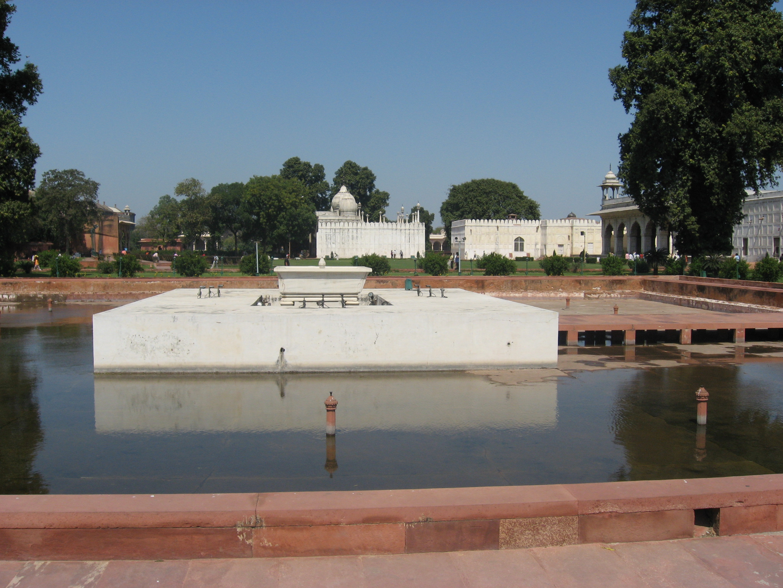 spazi bianchi al Forte di Agra