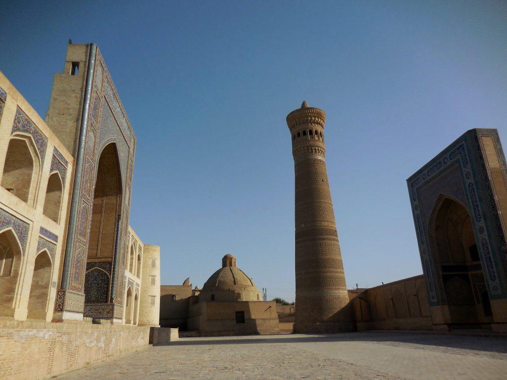 Minareto Kalyan sulla piazza