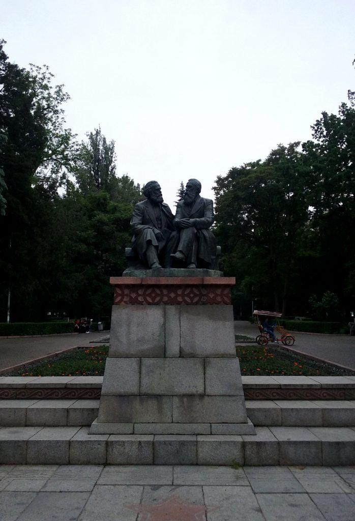 Statue di Marx ed Engels