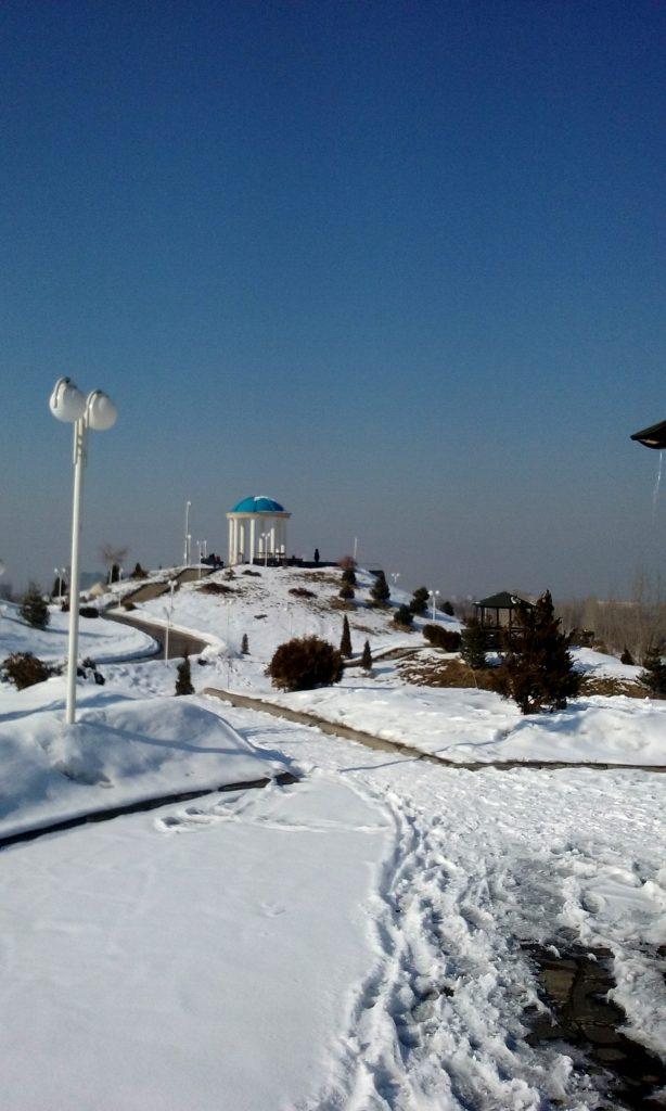 Loggia blu e neve