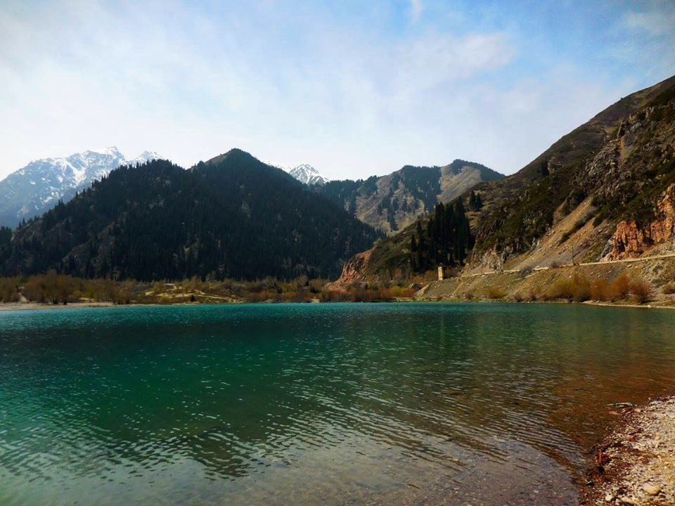 Issik Lake, mountains and water